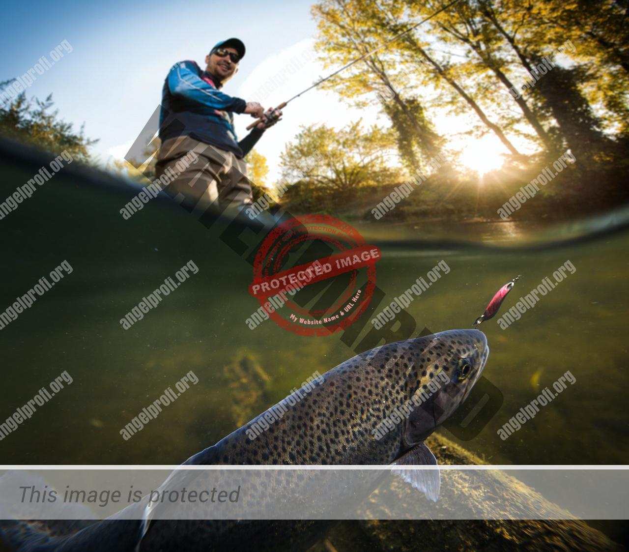 Junger Mann beim Spinnfischen